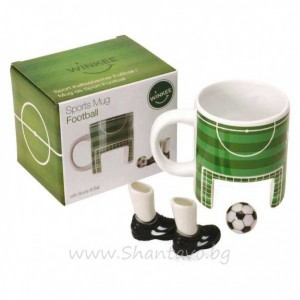 chasha-za-kafe-i-igra-na-futbol