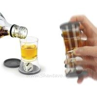 Чашка шот със зарче - Кой ще пие?