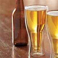 Наздраве с обърната бутилка в чаша за бира - 350 мл