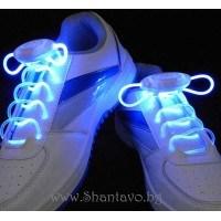 Време е за парти със светещи връзки за обувки