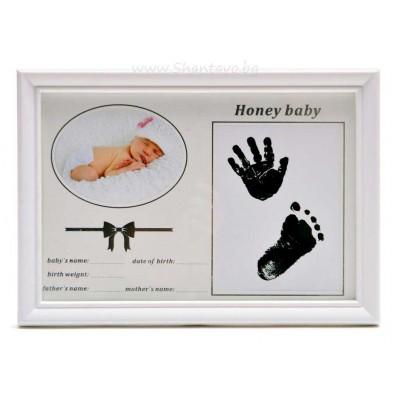 Бебешки отпечатък и снимка в рамка