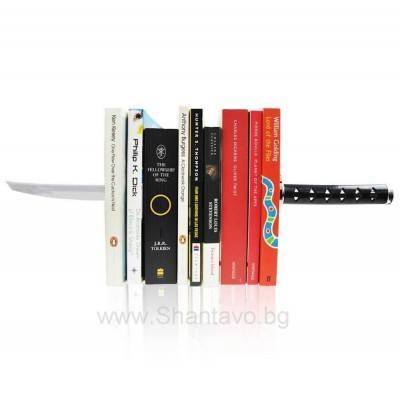 Ефектна поставка за книги във формата на меч Катана